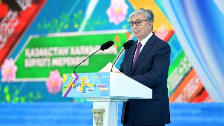 Мемлекет басшысы қазақстандықтарды Бірлік күнімен құттықтады